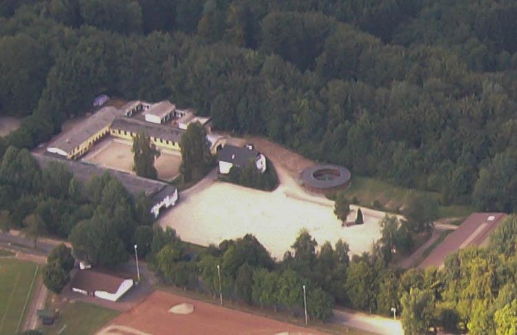 Luftbild der Reitanlage in Höhr-Grenzhausen, Kreis Westerwald